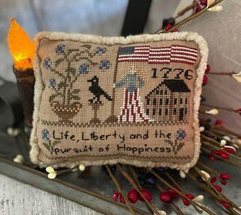 Flag Of Liberty Pillow-Mani Di Donna-